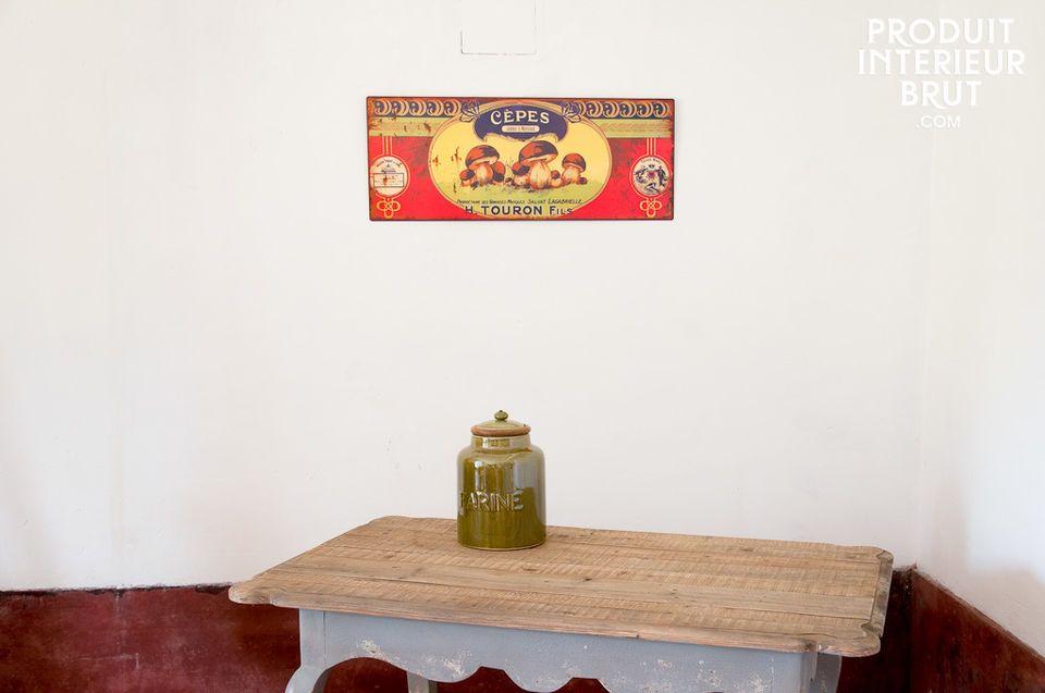 Ein dekoratives Blechschild mit Landhaus-Charme