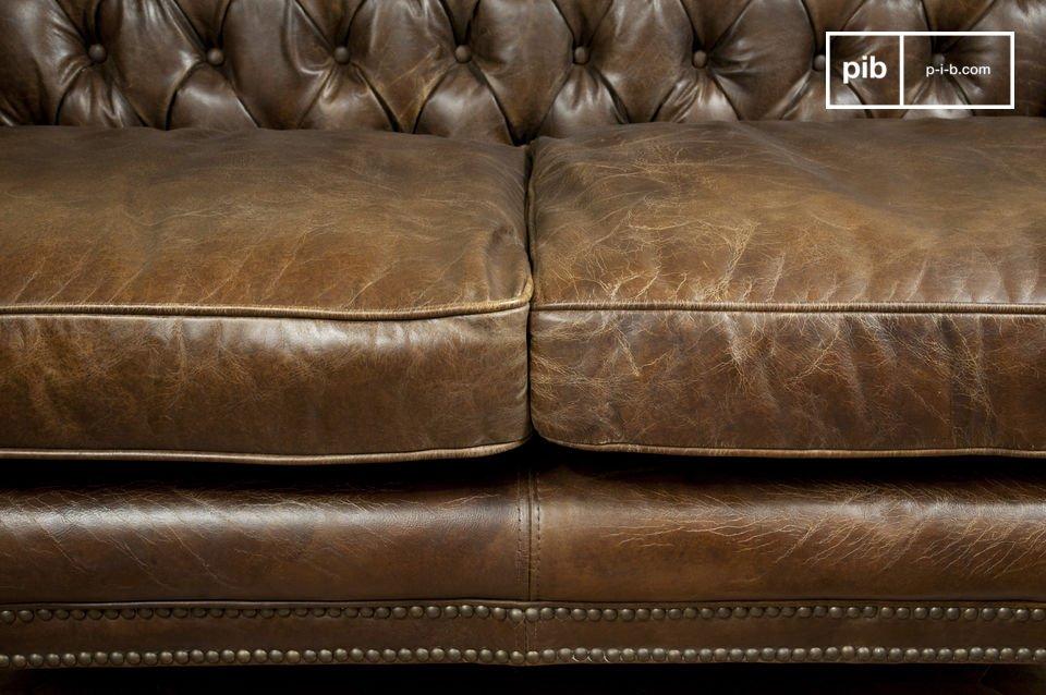 Durch seine Maße ist diese Couch perfekt für kleine Räume geeignet