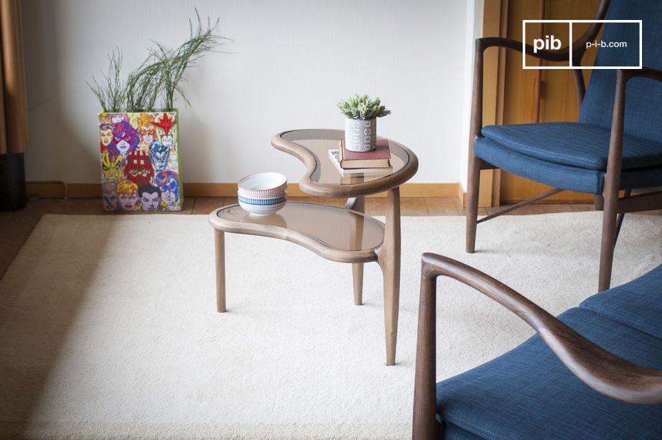 Das spielerische und klassische Design eines Beistelltisches mit Bohnenmuster