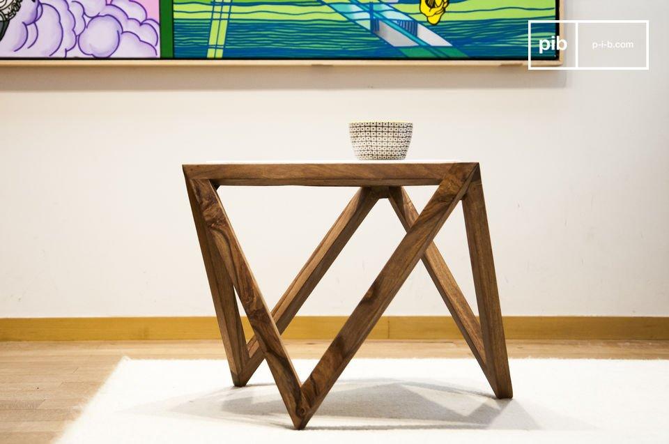 Eine Tischplatte aus Marmor und grafische Formen