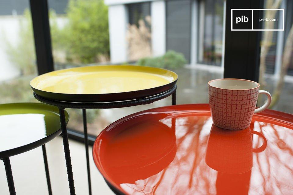 Dreiteiliges Tische-Set aus Metall mit wunderschönen Farben