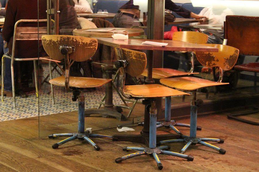een mooie industriele stoel