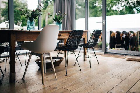 Ein modernes skandinavisches Wohnzimmer