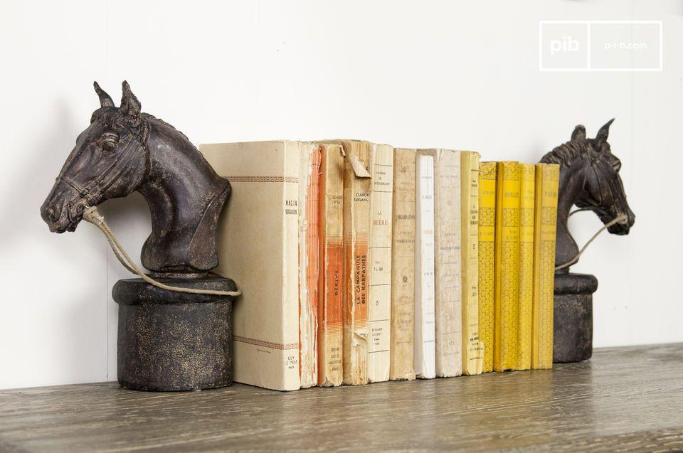 Ein Paar Pferde-Bücherstützen