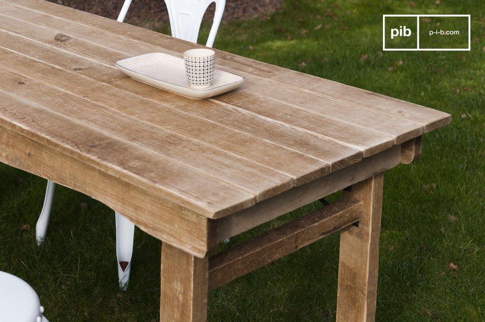 Ein Tisch mit viel Charme