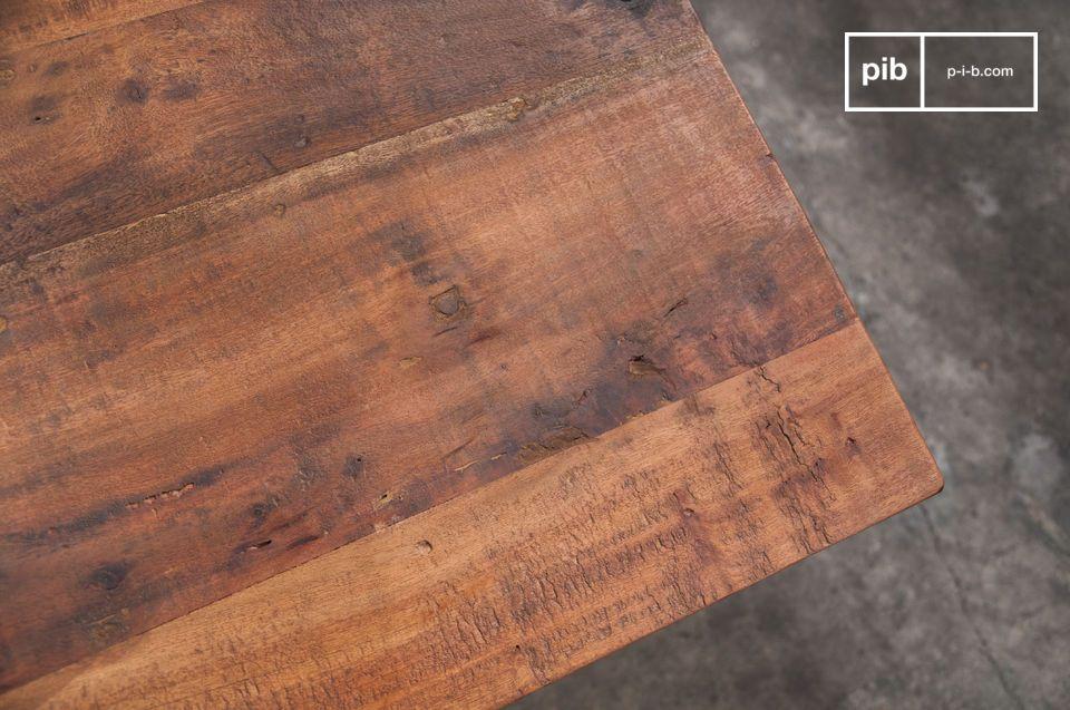 Altes Holz und metallische Rollen