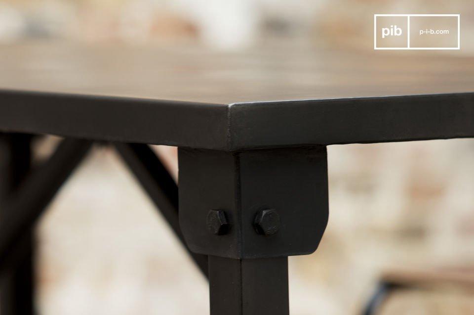 Industrial Design mit klaren Linien, 100% Stahl
