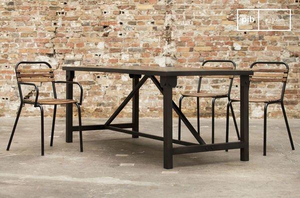 Industrial Design bittet zu Tisch