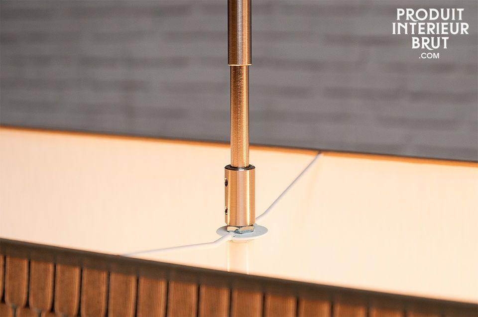 Dank seines Lampenschirms aus strukturiertem Stoff lässt die Hängeleuchte Bromma Ihr Interieur im