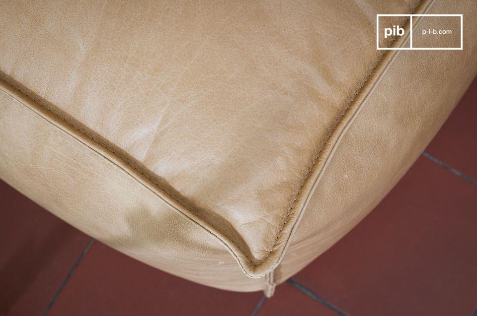 Mit seiner natürlichen Farbe passt er sich jeder Inneneinrichtung an: sowohl Vintage als auch