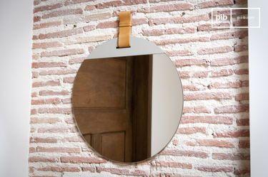 Großer Spiegel mit Gurt für den Eingangsbereich