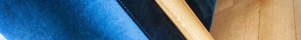Materialbeschreibung Großes Sofa aus Samt Viela