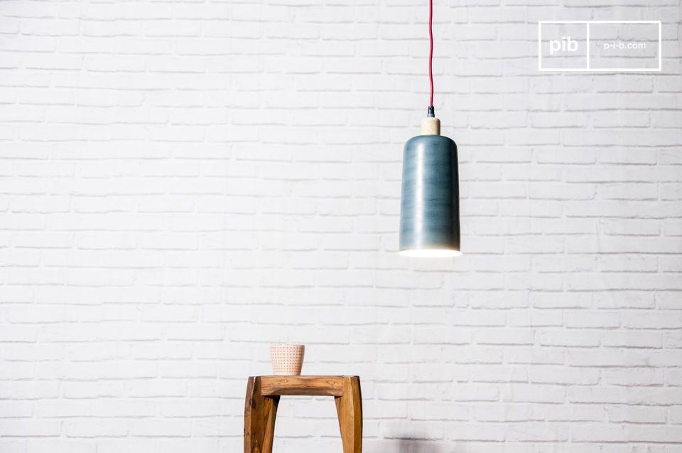 Die Form der Lampe blue Terry ist besonders elegant