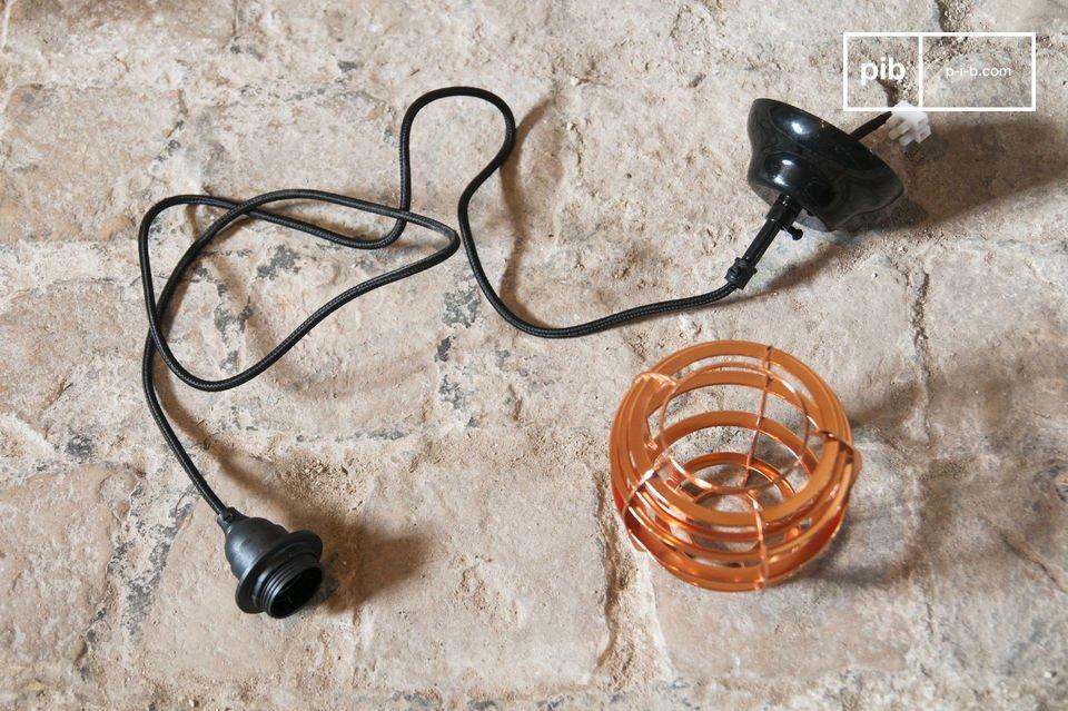 Die Hängeleuchte Bristol ist eine Lampe im neo-retro Stil welche direkt inspiriert ist von alten