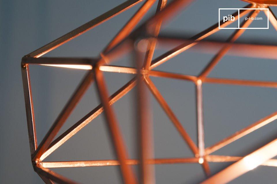 Die Hängeleuchte Sancy bietet eine schöne Darstellung der Schleifkunst von Diamanten
