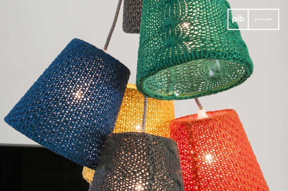 Eine Designerleuchte mit strahlenden Farben