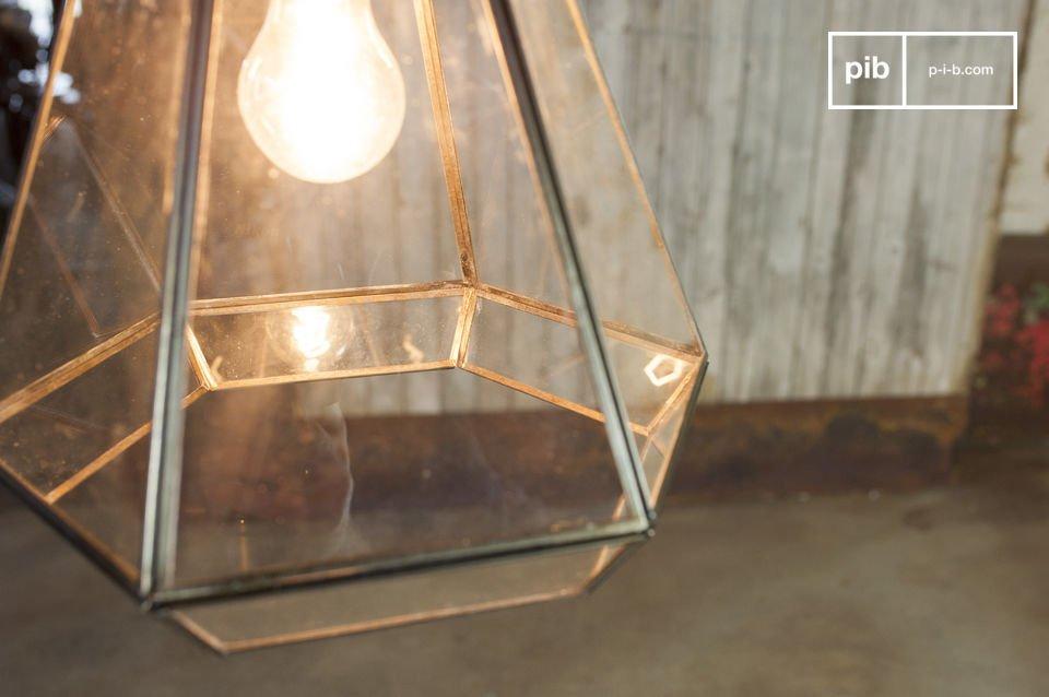 Die Hängeleuchte Trapèze aus Glas im retro Stil bringt einen ausergewöhnlichen Flair in Ihr