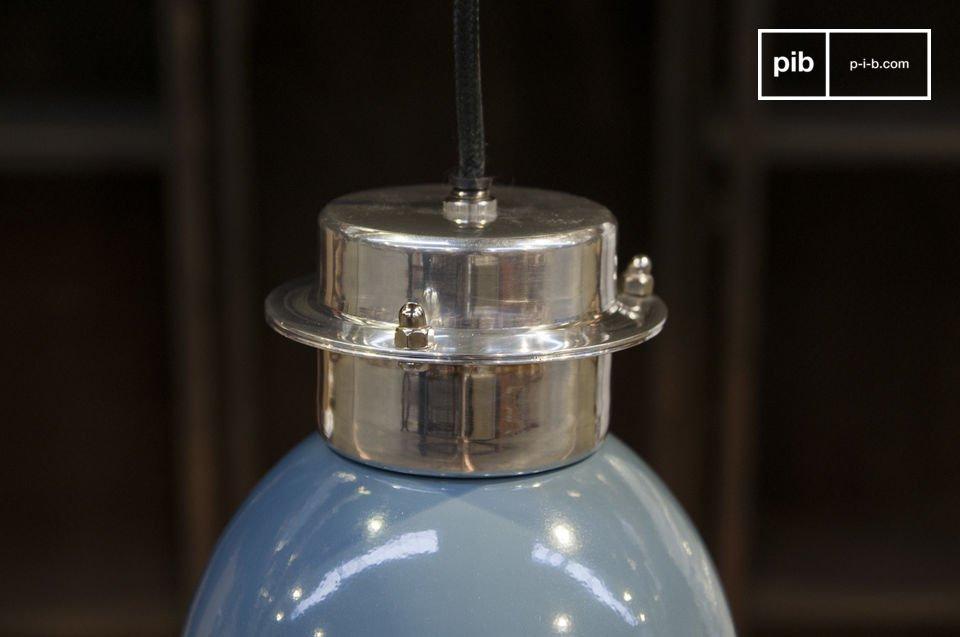 Die Hängeleute Gaynes ist eine kleine bunte industrielle Lampe mit einem schlichten Aussehen