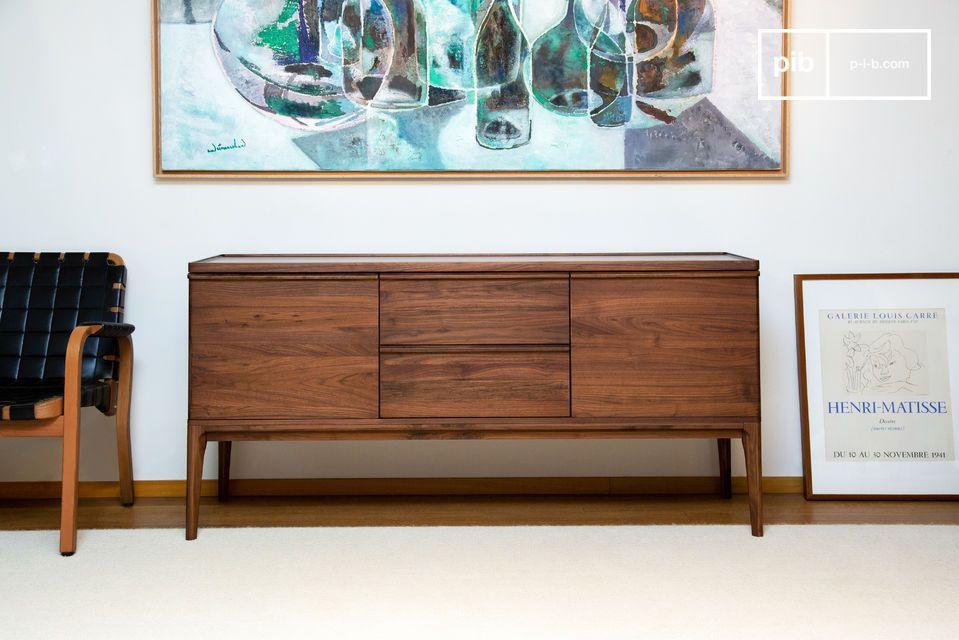 Die vielseitige Form kann ihn auch zu einem eleganten TV-Schrank werden lassen