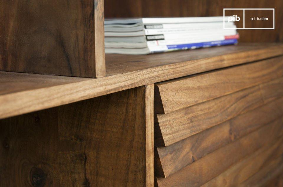 Aufbewahrungsmöbel ganz aus Holz und mit typischen Fifties-Linien