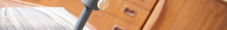 Materialbeschreibung Hoher schwarzer Kerzenständer Granny