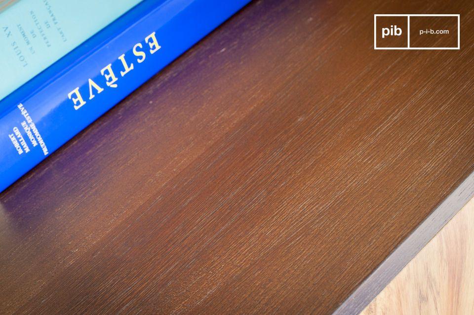 Das Holz Sideboard Linéa hat ein außergewöhnliches Design