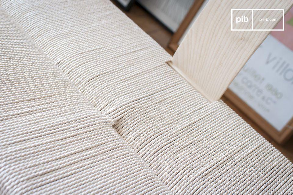 Dank der Kombination von natürlichen Materialien und Linien
