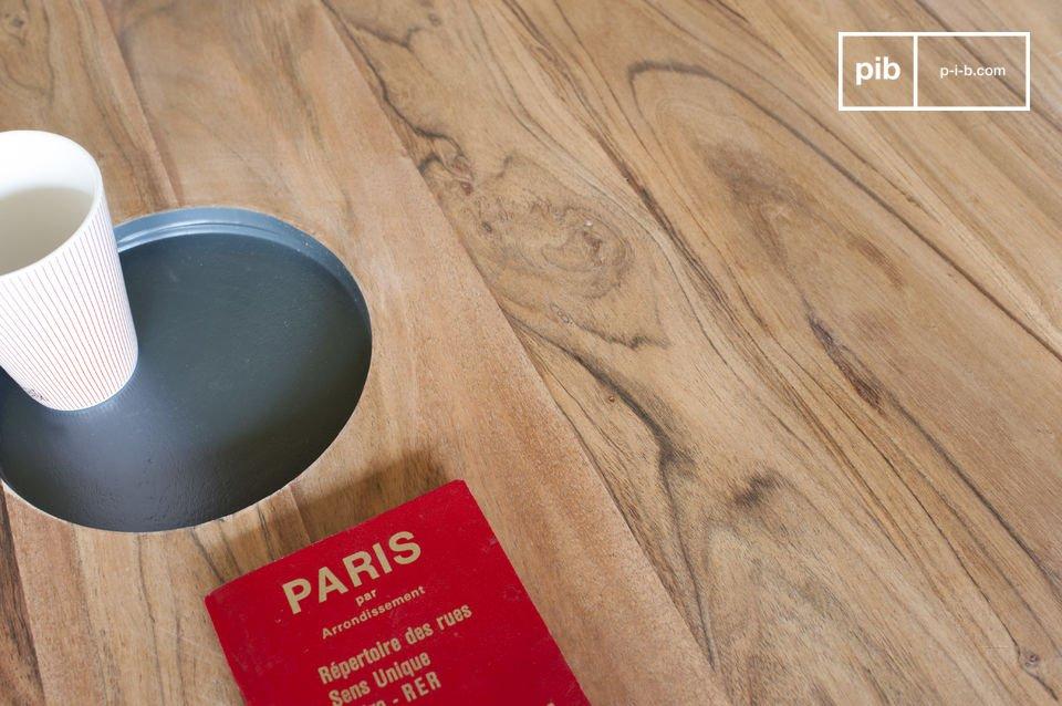 Der Couchtisch aus Holz Bascole vereint schlichte Linien mit einem Hauch von Design dank der