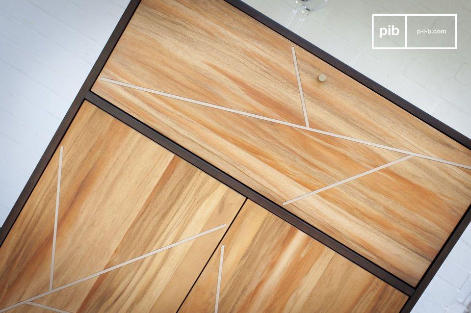 Der Holzschrank Linéa besitzt eine sehr grafische Ästhetik