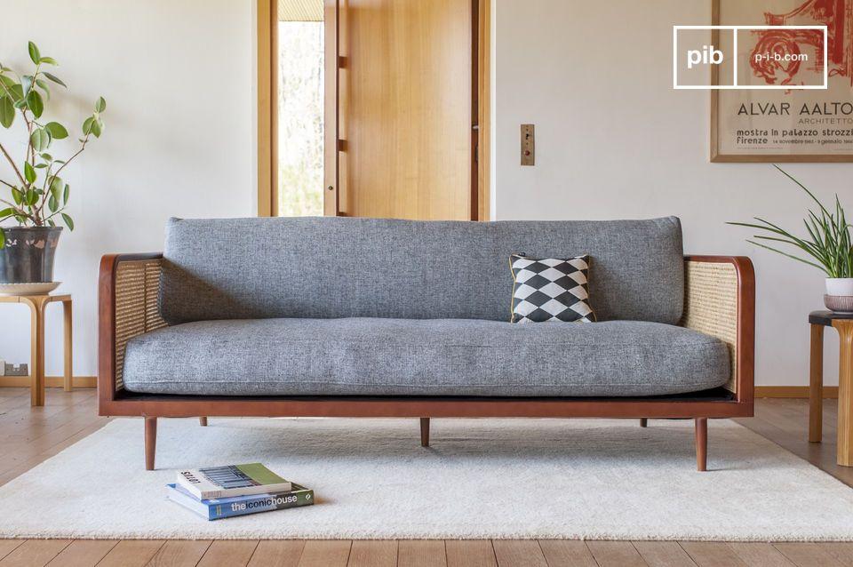 Ein atypisches Sofa, das durch den Rohrstock sublimiert wird.