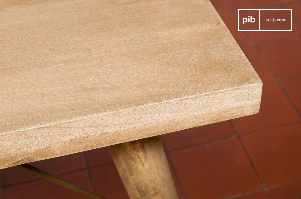 Der Tisch Jotün passt ganz  leicht in jeden Möglichen Einrichtungsstil, wie zum Beispiel dem vintage Stil oder einem eher klassischen Stil
