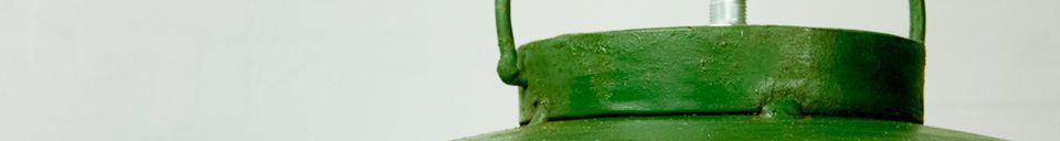 Materialbeschreibung Industrie-Deckenleuchte mit grüner Patina