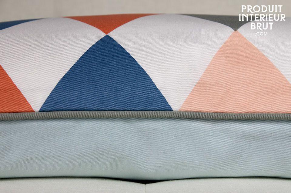 Aus 100% Bio-Baumwolle mit Rautenmuster, Rückseite einheitliches Hellblau