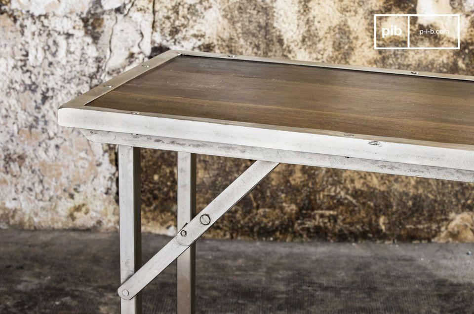 Konsolen- oder Schreibtisch, praktisch und im resoluten Industrial Design