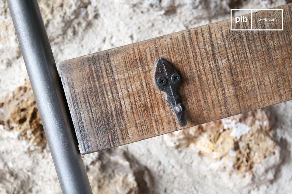 Die Holzplatten haben eine gebürstete
