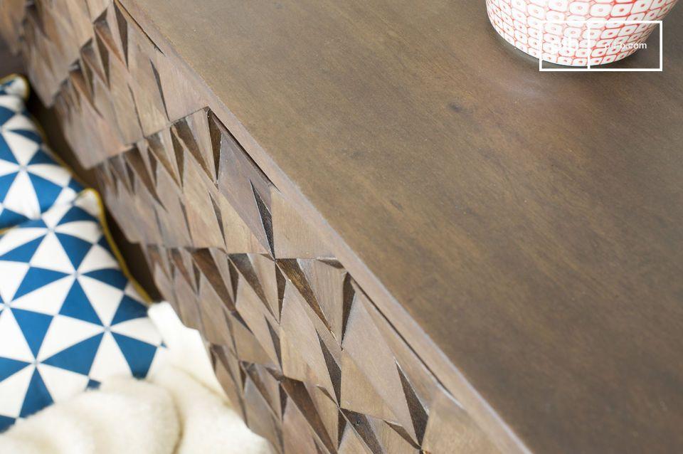 Im Schlafzimmer bringt die die Kommode ein authentisches Gleichgewicht mit seinen geometrischen