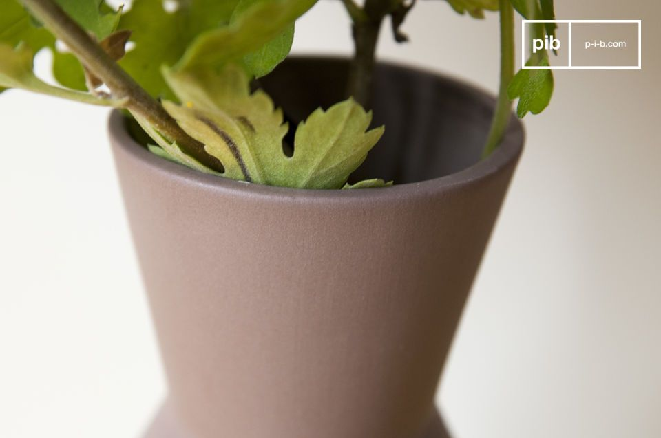 Die Korsett Keramikvase kann alleine eingesetzt werden