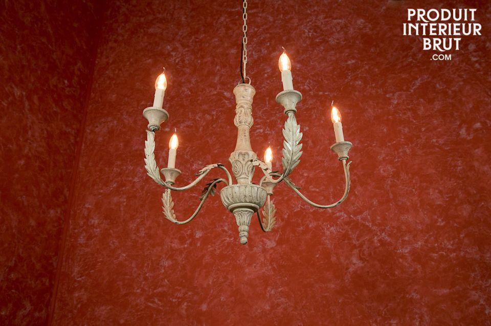 Ein 5-armiger Kronleuchter im Shabby Chic Style für die Beleuchtung Ihres Interieurs