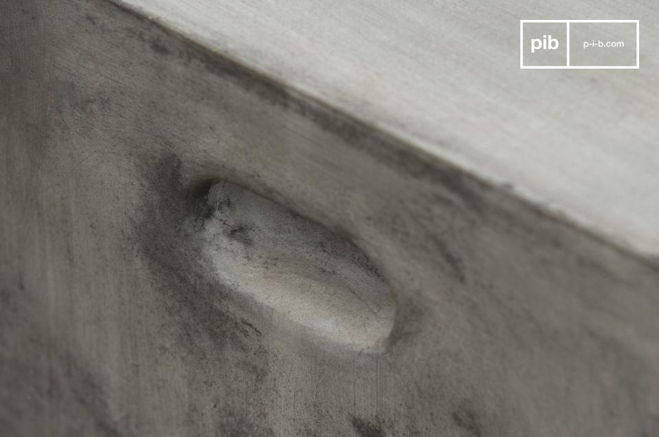 Hocker oder Beistelltisch aus 100% Beton