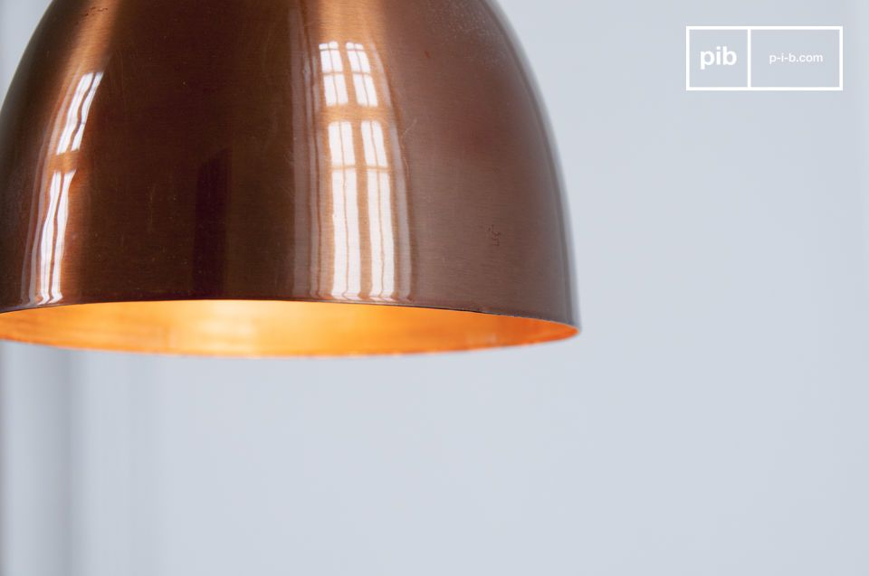 Diese Lampe eignet sich besonders über einem Esstisch oder einer Bar
