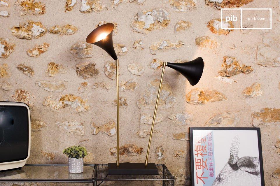 Sie können die Lampe sowohl mit einem skandinavischen oder retro Stil kombinieren als auch mit