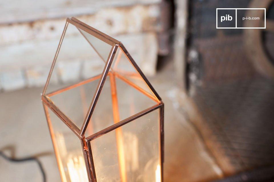 Die Laterne Emma ist eine Lampe, die es weiß Sie mit ihrem charmanten vintage Stil zu bezaubern
