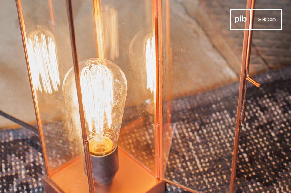 Glas und Kupfer für eine besonders feine Lampe