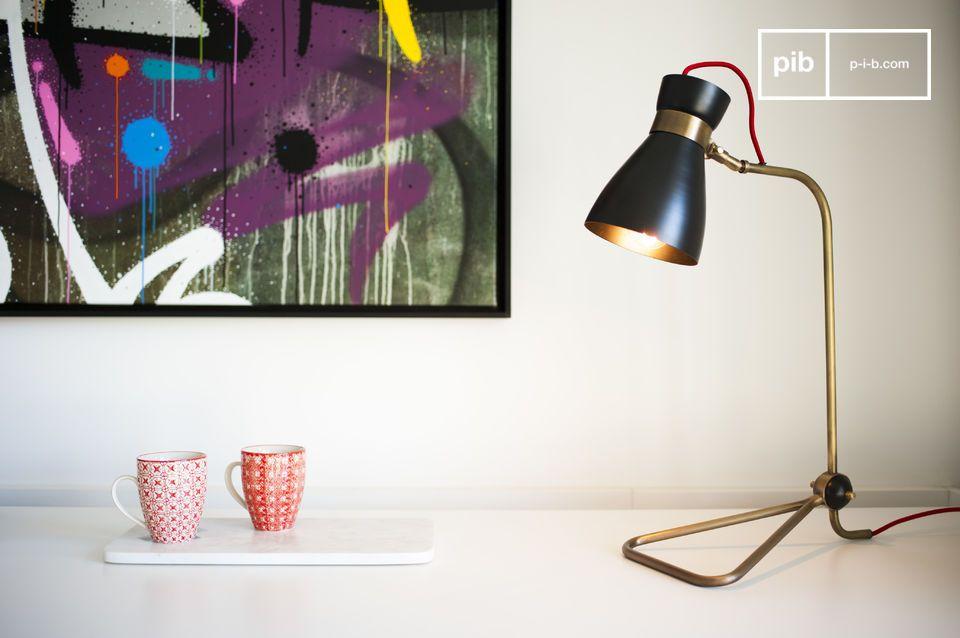Die Lampe Kelly ist eine schöne Design Leuchte mit einer feinen Struktur, die warmes Licht in Ihre Inneneinrichtung holen wird