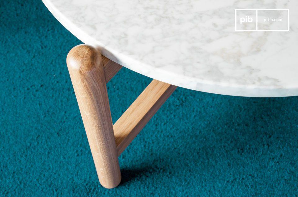 Die Weichheit von runden Formen, die mit klaren Materialien kombiniert werden