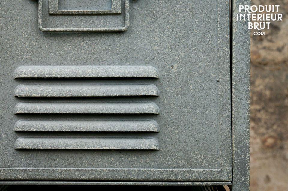 Durch das dicke und robuste Blech sowie dem grauen Finish im Used-Effekt wird der  industrielle