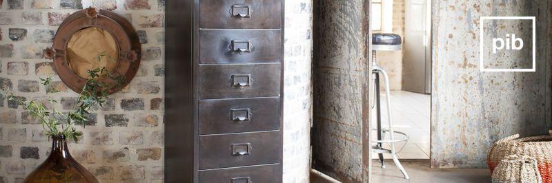Möbel aus Metall