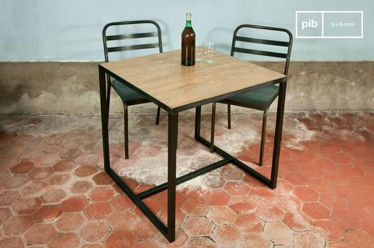 Quadratischer Manhattan Tisch