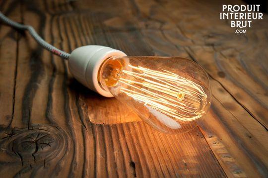 Retro-Glühbirne mit langem Glühfaden