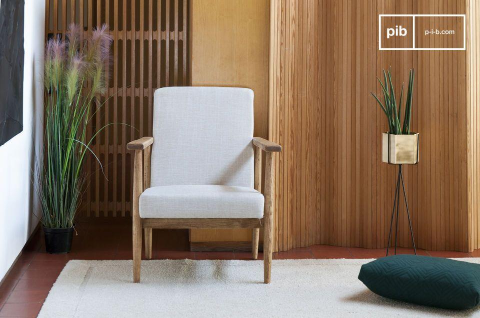 Ein bequemer Sessel ideal um einen Couchtisch in einem Wohnzimmer oder um eine Leseecke eines Raumes